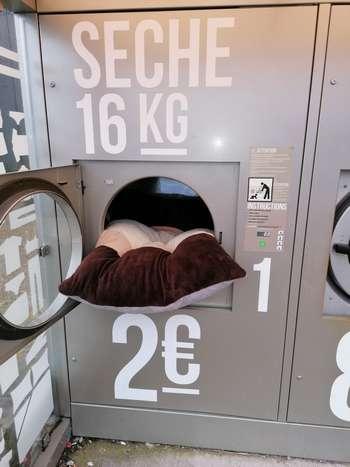 coussin de sol 80 cm x 120 cm  pour chien molosse  couleur marron fonce-  écru- marron clair- dans la machine a laver